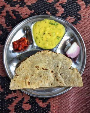 Relish the taste of Maharashtra's Jhunka, Bhakri, Thecha in Kolhapur! #IWillGoAnywhereForFood