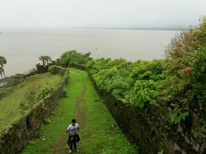 Korlai Fort: monsoon ride