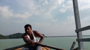 Maithan - A Beautiful hide out Near Asansol / Dhanbad.. 1 Hr boat ride will take u to a Hilly Island