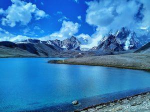 Into the Himalayas close to China