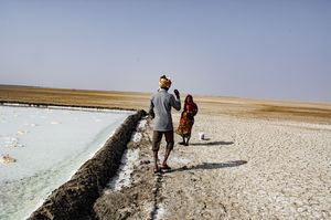 This Place In Little Rann Of Kutch Lets You Stay For Free. And It Has A Hot Spring