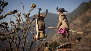 Wait ! What? Did this Photographer just shoot a Quidditch game in the hills of Uttarakhand?