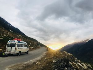 How to Manage Leh-Manali Roadtrip by Taking Only a Week's Off