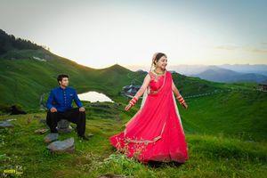 Life Came Full Circle at Prashar Lake for This Couple