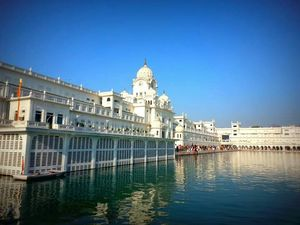 Planning a Trip to Amritsar in 1K only/-