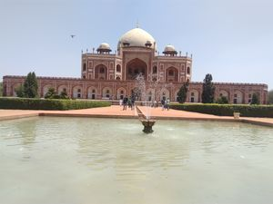 Beautiful day at Humayun Tomb