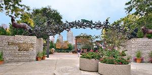 Lincoln Park Zoo 1/1 by Tripoto