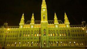Rathaus 1/1 by Tripoto