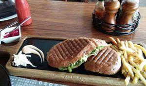 7 under-rated eateries in Mumbai