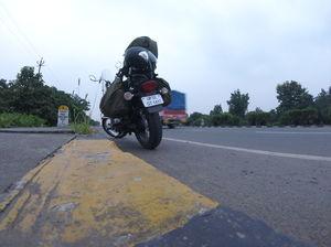 2 > 4, traveling alone through western India: Day 2, Surat (Gujarat)