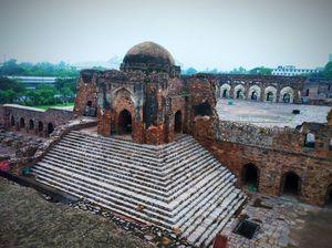 Ferozshah Kotla Most Haunted Place In Delhi