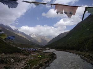 "SOLO RIDE TO INDIA'S LAST INHABITED VILLAGE ""CHITKUL"""