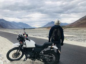 "Leh Ladakh- Motorcycle Diaries ""There's Beauty everywhere, All You Have To Do Is Just Look Around"""