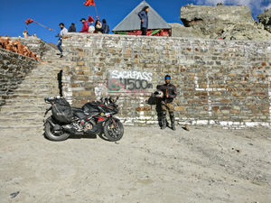 An Adventurous Bike Ride to the World's Second Most Dangerous Road - Sach Pass !