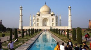 Agra: Taste of Mughal architecture