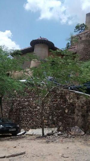 Neemrana Fort-Palace 1/28 by Tripoto