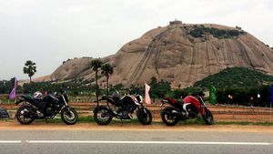 Monsoon Ride to Bhongir Fort