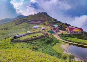 On the top of Tonglu