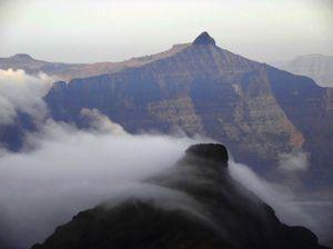 Feel Levitated at Breathtaking Kalsubai peak