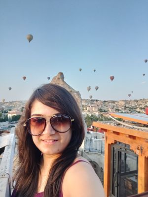 Be the sunshine & lift up others like a hot air balloon does! #SelfieWithAView #TripotoCommunity