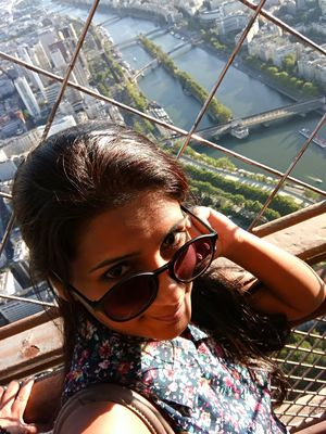 Seine in the background and shades on the eyes... #selfiewithaview #tripotocommunity