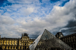 Louvre Museum 1/5 by Tripoto