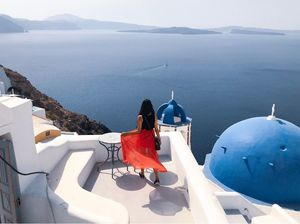 A SOLO TRAVELLER'S TAKE ON A HONEYMOON DESTINATION-SANTORINI!