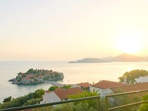 Sveti Stefan 1/undefined by Tripoto