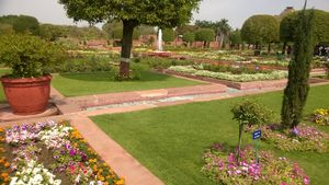 Sunday Afternoon at Mughal Gardens