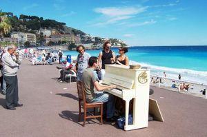 Promenade des Anglais 1/3 by Tripoto
