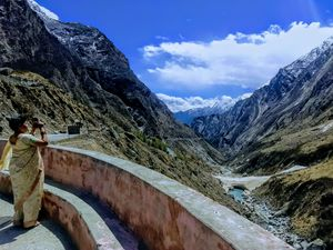 Badrinath... A place that has something for all...!!
