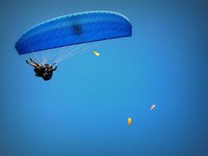 Paragliding in Bir Billing: After flying twice, I understood why people fall in love with sky