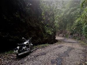 MEGHALAYA : RIDING AMIDST THE ABODE OF CLOUDS