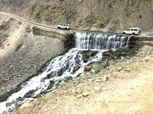 En Route Chandratal Lake, HP  #chandratallake #spiti #photography #himachalpradesh #roadtrip