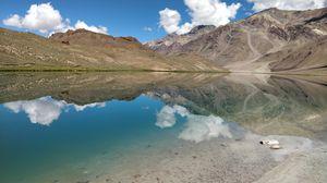 The beautiful Chandrataal lake in Spiti valley