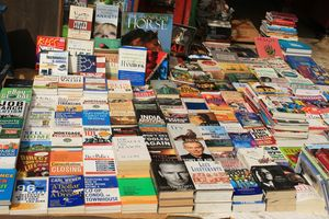 Sunday Book Bazaar At Daryaganj, Old Delhi - Nirvana For Book Lovers!
