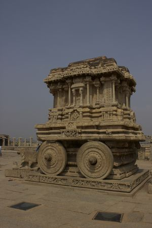 Hampi sat on a wall of fame! #Hampipictures #IssSummerBaharNikal