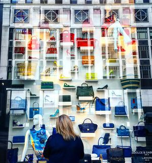 Saks Fifth Avenue 1/undefined by Tripoto