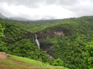 This Hidden Waterfall Near Nashik Will Leave You Gasping #HiddenSpotsTripoto
