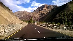 That Drive from Srinagar to Leh: A Photo-Story