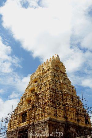 A Day in The Hoysala Empire: Belur and Halebeedu