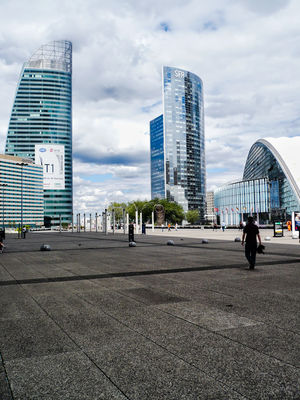La Defense 1/6 by Tripoto