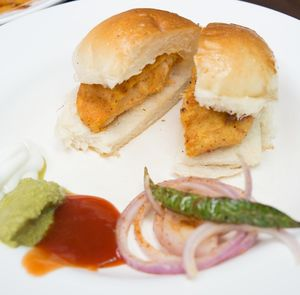 Foodies Have You Tried Chicken Cheese Wada Pav At Baner?