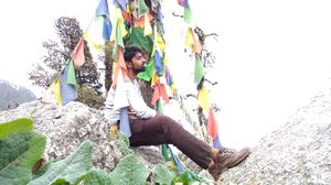 My First Solo Trip to Triund- From Delhi to J&K and back to Pathankot...