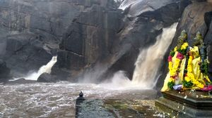 Agasthiyar waterfalls - A rendezvous with the Gods