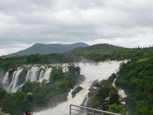 A visit to the majestic Shivanasamudram falls!