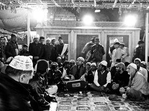 Nizamuddin Dargah - A Walk of Peace And Tranquility