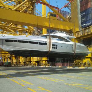 Yacht transport in Dubai