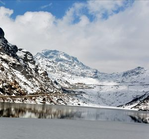 Tsomgo Lake – A paradise during winter