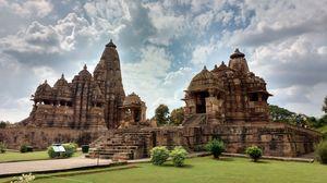 Walking Through the temples of Khajuraho